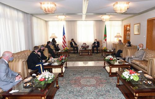 Le chef du Pentagone au Maroc pour renforcer la coopération militaire